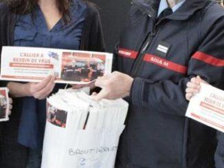 Des sacs à pains pour le recrutement de pompiers volontaires